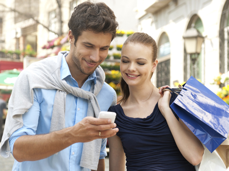 4-conseils-campagne-SMS-couple-shopping