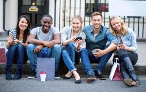 Les Balonline, jeunes et hyperconnectés